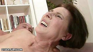 Lusty Margo\'s big squirt