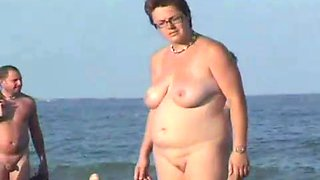 Nude beach with fat broads1