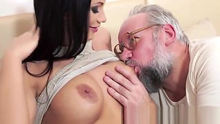 Bigtitted babe gets fucked by senior