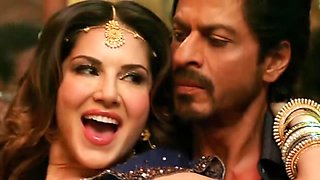 sunny leone tries to seduce shahrukh khan whike his wife is away