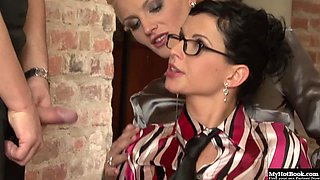 Renata Black and Sarah Star are a blonde and brunette duo ready to get nasty
