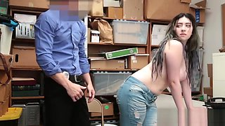 Smart Cutie Offering Her Thick Ass For A Brutal Bang