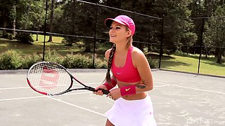 Petite chick Kathy Rose wants to fuck a hot fellow on a tennis court