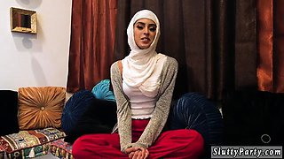 Teen orgasm from big cock Hot arab damsels try foursome
