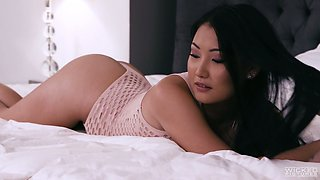 Aroused stud Tommy Gunn polishes inviting and too hungry Asian pussy