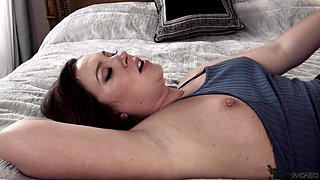 Wife Maddy O'Reilly cheats on her husband with her older boss