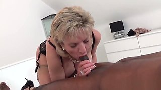 Unfaithful british milf lady sonia shows off her massive boobs