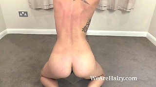 Sweet Mary Jane has a sexy workout for all to see