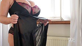Leanne Crow (Black & Red Lingerie-Solo) 1080p