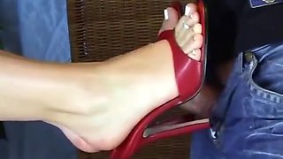 03-10-2006-SHOEJOB IN HOT STILETTO MULES