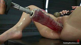 Brunette Angell Summers gets drilled by a fucking machine