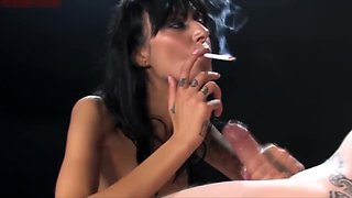 Hottie Brunette Smoking Blowjob!!