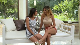 Rather flexible and leggy hoe Lilu Moon gets ready for wild analfuck