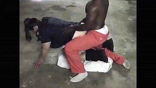 Black d.o.c. inmate fucks police officer in jail