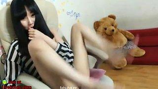 Korean cute camgirl with hairy pussy masturbates