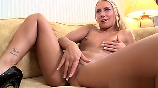 Glamour Euro Cockriding Black Dick After Bj