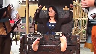 Canelli Tickling 1