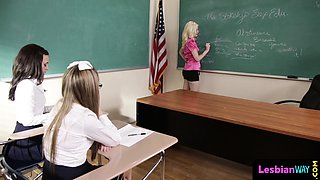 Lesbo teacher enjoys threeway with students