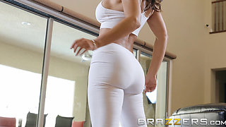 Our Queen Is Back - Lisa Ann in her first Anal scene in 3 years - Brazzers