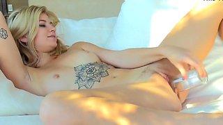 Preciosa blondie bottle deep insertion in shaved pussy