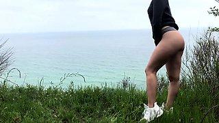 Bianca Dagger gives handjob in sexy panties