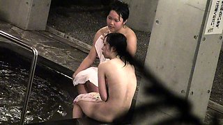Sweet Japanese babes expose their bodies in the bath house