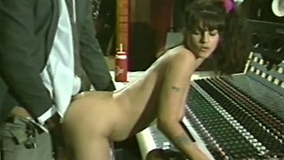 All natural retro pornstar gives titty job and bends over