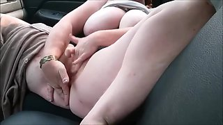 Teen Chubby Slut Masturbating And Sucking Dick In The Car