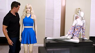 Curvy Mannequin Doll Comes To Life In A Clothing Store