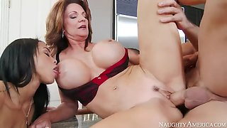 Brunette deauxma fucking in the floor with her bubble butt