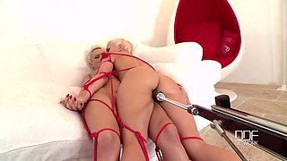 Blanche Bradburry a gets her cunt filled with the lesbian fingers and sex toy