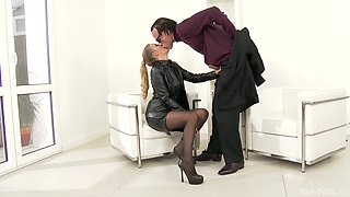 Arousing ass licking for Candy Alexa that drives her insane
