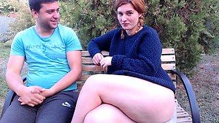 Teen girl pisst public outdoor