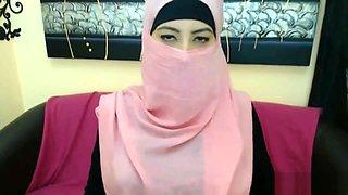 Hot arab cam