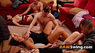 Sexy massages and more swinger couples