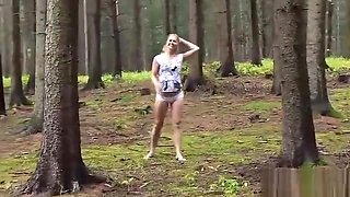 Slutty czech teenie gapes her spread twat to the extreme