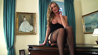 Gorgeous MILF Strips Down to Just Her High Heels and Nylons