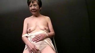 Seducing a Japanese Granny - censored