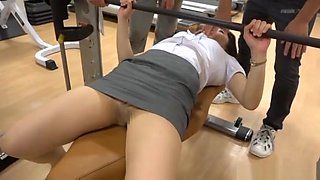 unforgettable sensual pussy delighting at the gym