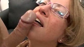 I dream fuck this mother in law anal fist blowjob slut mom milf troia glasses bello duro nel culo