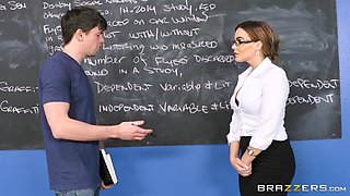Natasha Nice is a plump babe with glasses craving a fuck