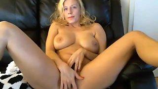 6cam.biz Hot tunderose flashing ass on live webcam