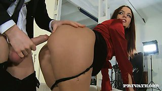 Best secretary ever Lyen Parker deepthroats her boss and later gets ass fucked doggy style