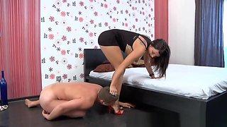 Mistress Megan foot worship