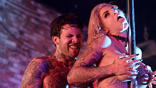 Bonnie Rotten is tattooed stripper who likes to squirt before sex