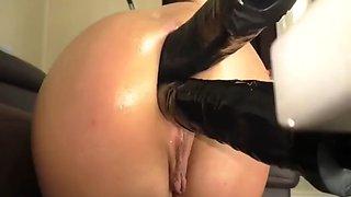 Dubble anal fucking machine