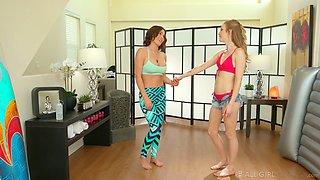 Karla Kush gives a nuru massage and wonderful cunnilingus to sexy girlfriend