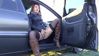Public squirt in the car