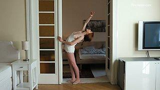 Amazing svelte hottie Milla Lukoshkina does splits and flashes her natural tits