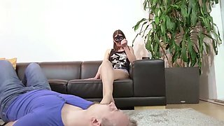 pantyhose foot smelling